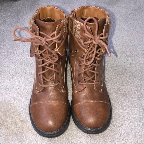 9650d5d5dfa Steve Madden Boots (NEVER WORN)